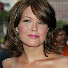 hairstyles for women with a double chin and round face hairstyles round face double chin within short hairstyles for
