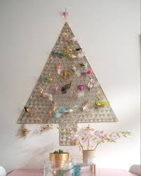Christmas Decorations Wall Tree by 21 Ideas For Making Alternative Christmas Trees To Recycle Clutter