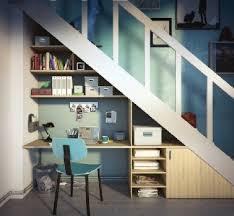 id礬e rangement sous escalier avec un bureau book shelves lofts