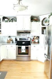 ideas for decorating kitchen walls wall decoration for kitchen weedern info