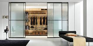 armadio con ante in vetro armadi