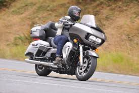 harley davidson riding boots 2017 harley davidson road glide ultra review 107 first ride