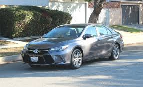 how does the toyota camry hybrid work toyota camry hybrid review