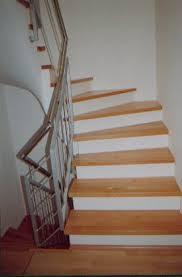 treppen holzstufen holzstufen auf betontreppe buche trittstufen ohne setzstufen