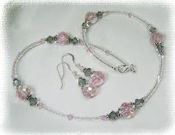 crystal bead necklace jewelry images Beaded jewelry ideas beaded jewelry pink crystal beaded jpg