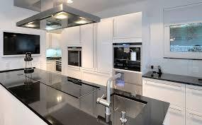 weisse hochglanz küche einbauküche hochglanz einbaukuche kuchenzeile weiss grau tobiaskun