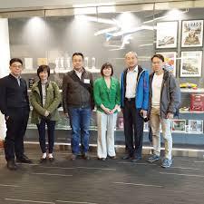 ngee ann polytechnic delegation visits redmond campus digipen