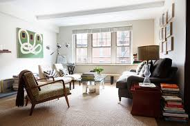 Living Room Furniture New York City Som S New York City Apartment Apartments Living Rooms And