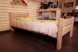 chambre enfant bois massif lit enfant artisanal écologique timéo en bois massif inakis