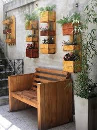 Wood Pallet Patio Furniture - reclaiming ideas for used shipping wood pallets wood pallet