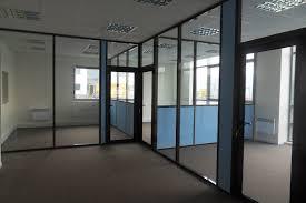 cloisonnette bureau les cloisons de bureau vitrées toute hauteur espace cloisons alu