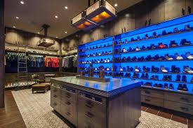 walk in closet décor options you should consider