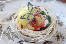 Decorating Easter Eggs Video by Decoupage Easter Eggs Plus A Natural Dye 101 Youtube