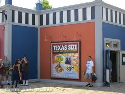 Six Flags Summer Pass Fiesta Bay Boardwalk At Six Flags Fiesta Texas Theme Park Archive