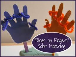 the activity mom toddler color matching