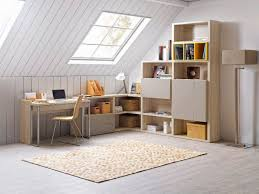 bureau sous pente des idées pour aménager un coin bureau à la maison tout pour la