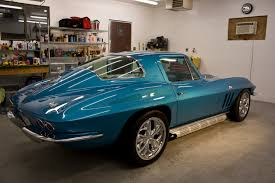 66 corvette stingray 1966 corvette sting 427 gets sanded and buffed to