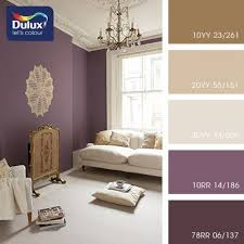 love the over large doiley on the wall look out for table cloth