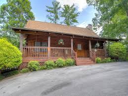6 bedroom cabins in pigeon forge grinnin bears 6 bedroom cabin rental in sevier county
