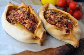 ricette cucina turca kiymali pide barchette di pizza con carne ricetta turca arte in