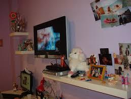 mensole sotto tv mensole e tv in dei ragazzi la casa come la desideri tu