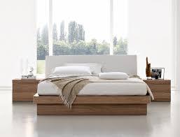 chambre adulte en bois massif chambre a coucher moderne en bois massif cool best dco chambre