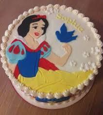 snow white cake via facebook inspiration snow white theme