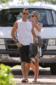 jennifer aniston and justin theroux pictures in hawaii popsugar
