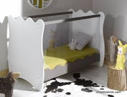 chambre roumanoff lit pour chambre bébé par katherine roumanoff doudou taupe