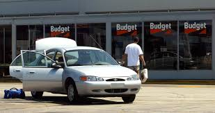 car rentals that accept prepaid debit cards paying for a rental car with a credit vs debit card