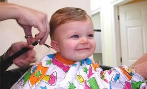 comment couper cheveux garã on tondeuse faut il couper les cheveux de bébé drôles de mums