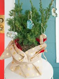 Easy Homemade Christmas Ornaments by How To Make No Sew Cookie Cutter Christmas Ornaments Hgtv