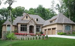 european style house plan 4 beds 3 00 baths 2800 sq ft european style house plan 4 beds 3 00 baths 2525 sqft 17 639