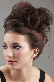 easy messy buns for shoulder length hair 103 messy bun hairstyles