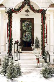 Outdoor Christmas Decorations Front Porch by 37 Beautiful Christmas Front Door Decor Ideas Christmas Front