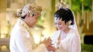 wedding dress nagita slavina gunakan pakaian adat jawa adik nagita slavina sangat cantik di