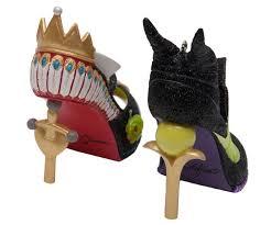 if the disney shoe ornament fits maison mouse