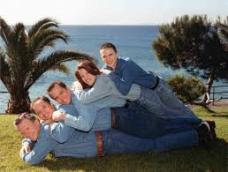 awkward family photos thanksgiving letter inappropriate family photos h a h a h a pinterest