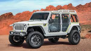 jeep custom paint easter jeep safari off road concept vehicles