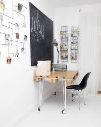 fabriquer bureau decoration fabriquer un bureau bois clair roulettes tableau noir