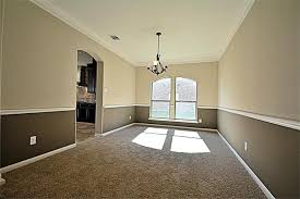 Two Tone Walls With Chair Rail 9722 Lansing Meadows Drive Humble Tx 77396 Har Com