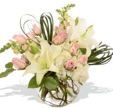 florist baton pastel roses snapdragons white lilies same day delivery to