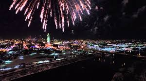 happy new year fireworks from gene leahy mall in omaha ne 12 31