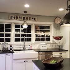 farmhouse kitchen ideas best 25 antique farmhouse ideas on vintage farmhouse