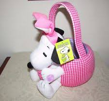 plush easter baskets peanuts snoopy plush easter basket by dandee plays linus and