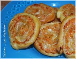 cuisiner le surimi des petits feuilletés pour l apéro surimi comté cuisiner