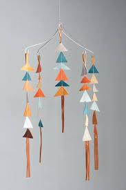fabriquer déco chambre bébé fabriquer deco chambre bebe mobile bebe triangle de cuir fabriquer