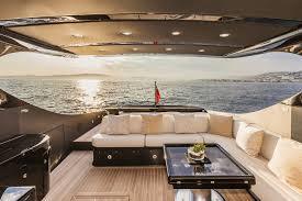 salle de bain de bateau 58ht crazy too yacht otam journal du luxe fr actualité du luxe