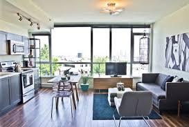 küche im wohnzimmer wohnzimmer und küche in einem raum kombiniert klug und praktisch