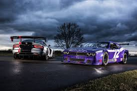 dodge challenger vs viper viper acr vs trans am challenger hunt race cars with your